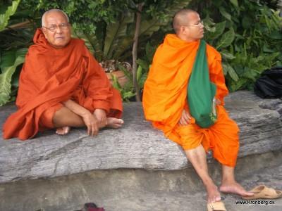 To munke i Wat Po