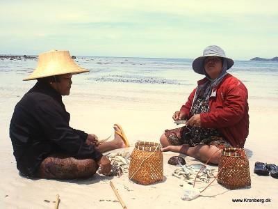 To lokale arbejder på Samui