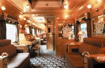 Bar i toget gennem Thailand