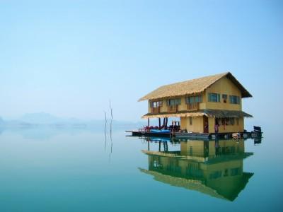 Husbåd i Thailand - Lake Safari